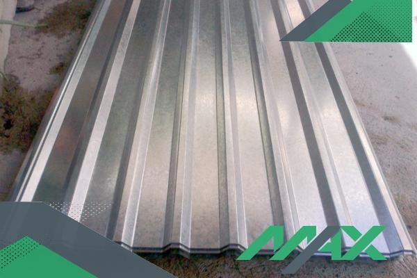 Una lámina de acero como la R-72 es una excelente opción para construir techos de acero, que rinden mejor y son más económicos de hacer.