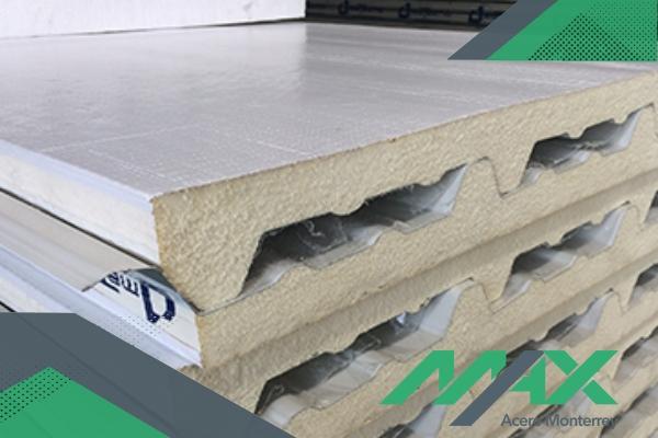 Glamet, panel aislante; panel tipo sandwich de la marca Metecno para instalación de muros con aislamiento termo-acústico.
